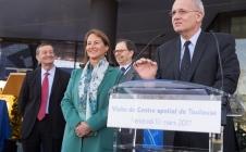 Ségolène Royal, Ministre de l'Environnement, de l'Énergie et de la Mer, chargée des Relations internationales sur le climat, a lancé la mission MicroCarb au Centre Spatial de Toulouse